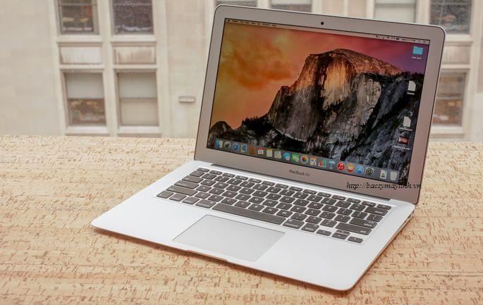 Macbook Air (13.3 inch, Early 2015)